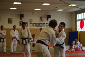 Gosport and Royan judo competitors locked in a bout